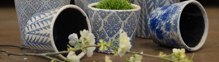 Planters & Vases